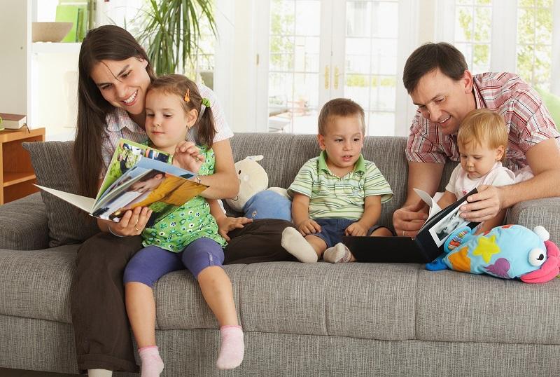 https: img.okezone.com content 2019 12 28 196 2146996 resolusi-keluarga-di-tahun-baru-5-ide-ini-wajib-masuk-ke-dalam-daftar-WVvPZCIJru.jpg