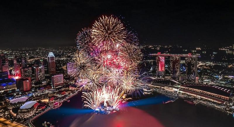 https: img.okezone.com content 2019 12 28 406 2146986 liburan-tahun-baru-intip-5-destinasi-favorit-di-indonesia-yang-wajib-dikunjungi-brAwWxAJLH.jpg