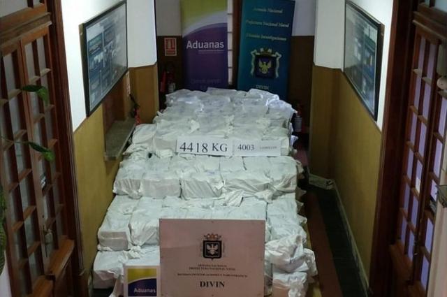 https: img.okezone.com content 2019 12 30 18 2147489 uruguay-amankan-6-ton-kokain-bernilai-rp18-triliun-8PWIgHtTzG.jpg