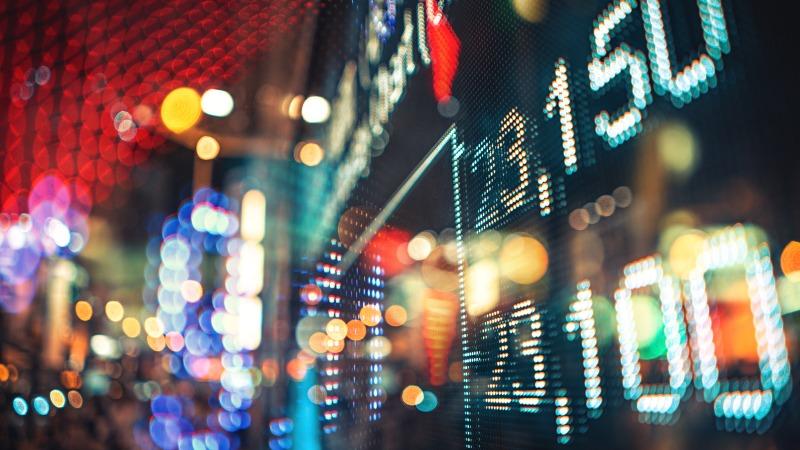 https: img.okezone.com content 2019 12 30 278 2147399 2019-jumlah-investor-pasar-modal-tumbuh-53-04-Qfebkwj63W.jpg