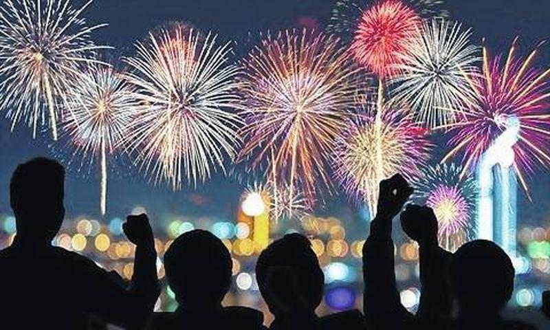 https: img.okezone.com content 2019 12 30 320 2147577 intip-pertunjukan-kembang-api-termahal-di-dunia-abu-dhabi-habiskan-rp280-miliar-OqAoB2uYLR.jpg