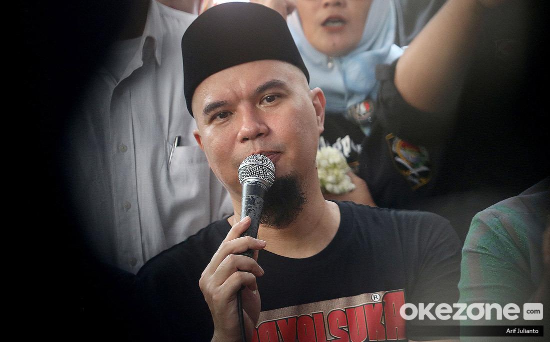 https: img.okezone.com content 2019 12 30 33 2147398 ahmad-dhani-terima-kasih-sudah-membuat-saya-terpenjara-CBhaIoJRz6.jpg