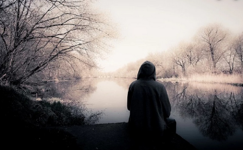 https: img.okezone.com content 2019 12 30 614 2147442 4-cara-mengatasi-kesepian-saat-menjadi-mualaf-V61QtoerGc.jpg