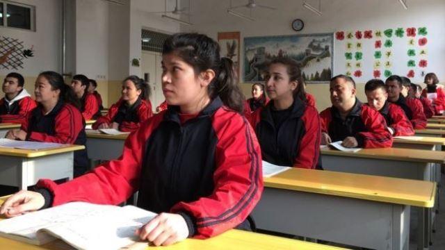 https: img.okezone.com content 2019 12 31 18 2147793 china-kirim-497-000-anak-etnis-uighur-ke-sekolah-asrama-7pIiLS05Gm.jpg