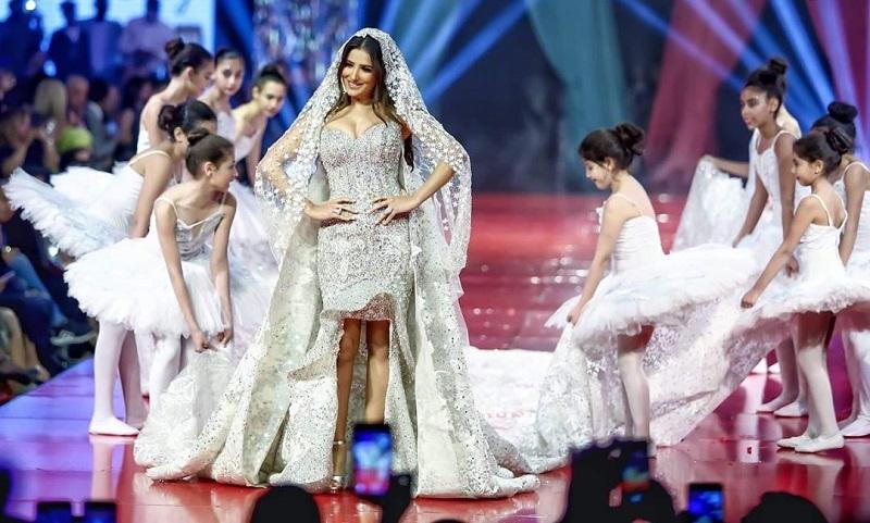 Desainer Mesir Pamerkan Gaun Pengantin Termahal Di Dunia