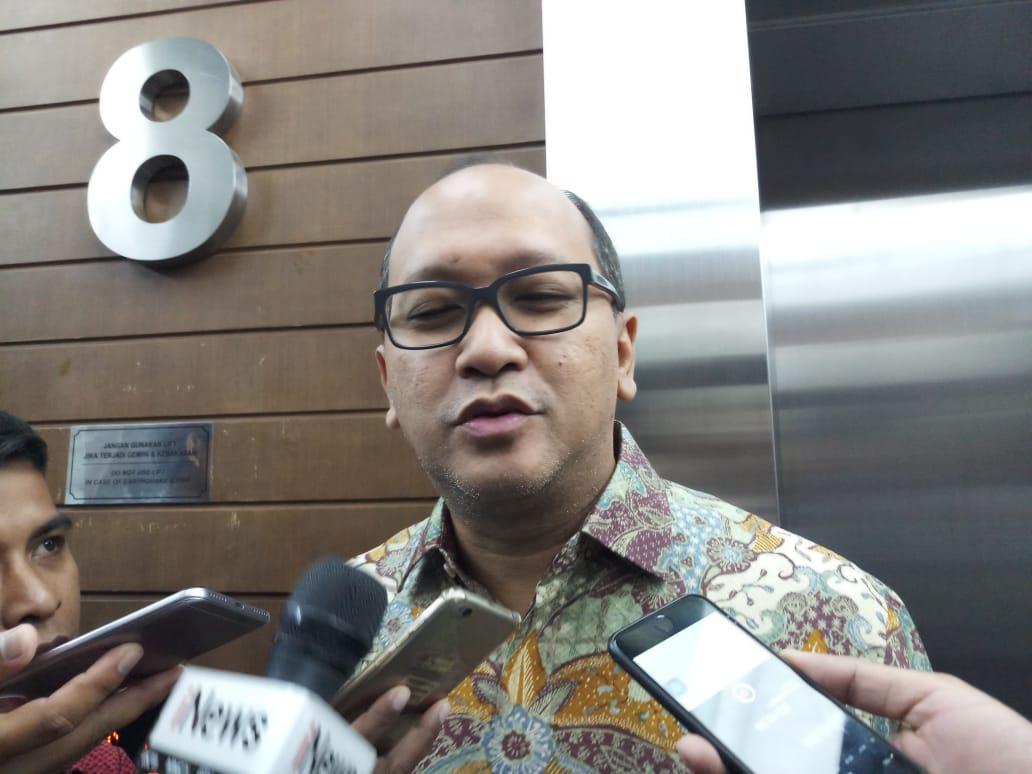 https: img.okezone.com content 2019 12 31 43 2147884 rosan-roeslani-resmi-ditunjuk-sebagai-chief-de-mission-indonesia-di-olimpiade-tokyo-2020-qjYqraJM1C.jpeg