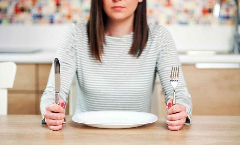 https: img.okezone.com content 2019 12 31 481 2147905 diet-saat-pesta-tahun-baru-hati-hati-bisa-kesepian-X0aIL0FfJm.jpg