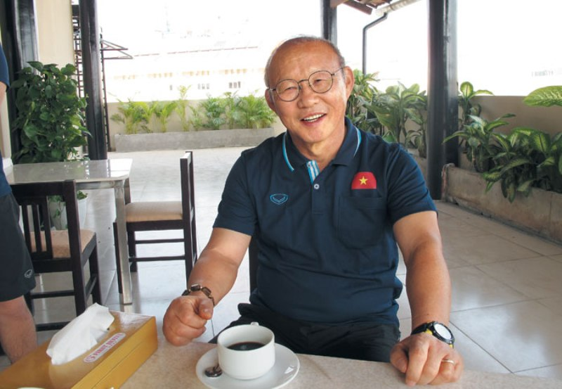 https: img.okezone.com content 2019 12 31 51 2147683 pelatih-timnas-vietnam-tak-sabar-hadapi-shin-tae-yong-TBfXOEFdkd.jpg