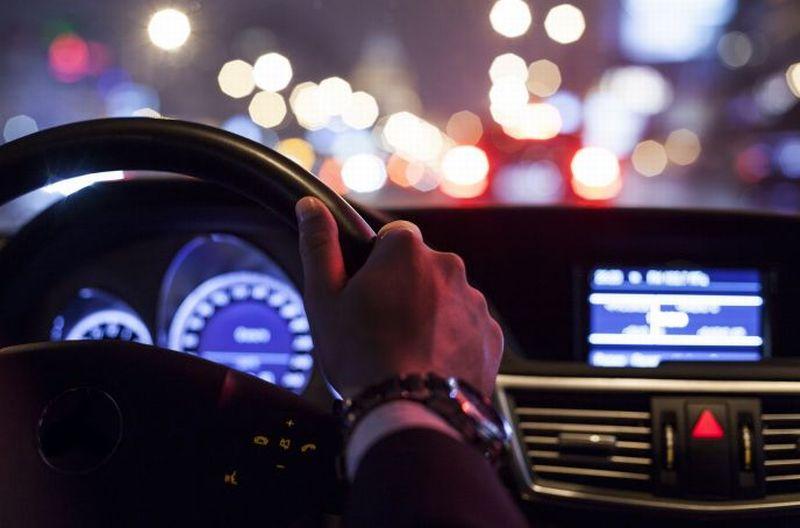 https: img.okezone.com content 2019 12 31 87 2147771 simak-risiko-mengemudi-gunakan-setengah-kopling-saat-macet-di-malam-tahun-baru-r3H6ckfN2S.jpg