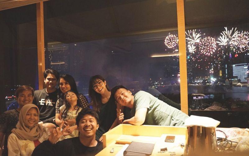 https: img.okezone.com content 2020 01 01 196 2148312 kebersamaan-gisel-dan-wijin-rayakan-malam-tahun-baru-netizen-julidnya-minta-ampun-a8vePASpAE.jpg