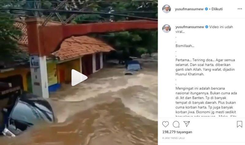 https: img.okezone.com content 2020 01 02 614 2148398 unggah-mobil-hanyut-dibawa-banjir-ini-pesan-yusuf-mansur-7ICxVQ5SPB.jpg