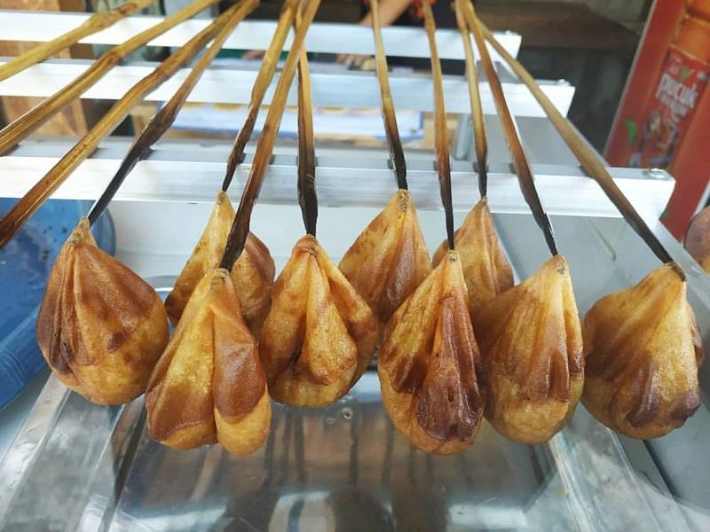 https: img.okezone.com content 2020 01 06 298 2149711 5-kuliner-khas-garut-yang-wajib-kamu-cicipi-lezatnya-tak-tergantikan-MEfLSKVgpT.jpg