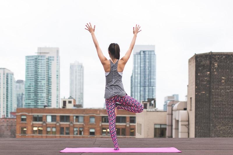 https: img.okezone.com content 2020 01 06 481 2149707 wujudkan-resolusi-pola-hidup-sehat-bersama-4g-unlimited-smartfren-XUbOmr2vrV.jpg