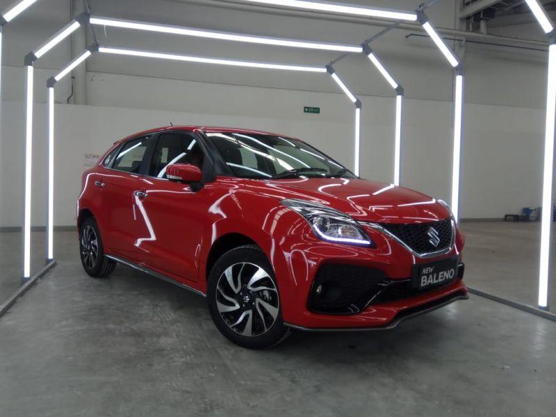 https: img.okezone.com content 2020 01 06 52 2149874 suzuki-luncurkan-new-baleno-the-complete-hatchback-XBM42ed557.jpg
