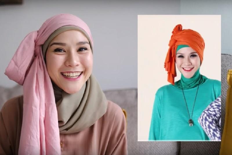https: img.okezone.com content 2020 01 06 617 2149915 4-tutorial-gaya-hijab-jadul-ala-zaskia-mecca-simpel-dan-cantik-W0DqA5Pn0D.jpg