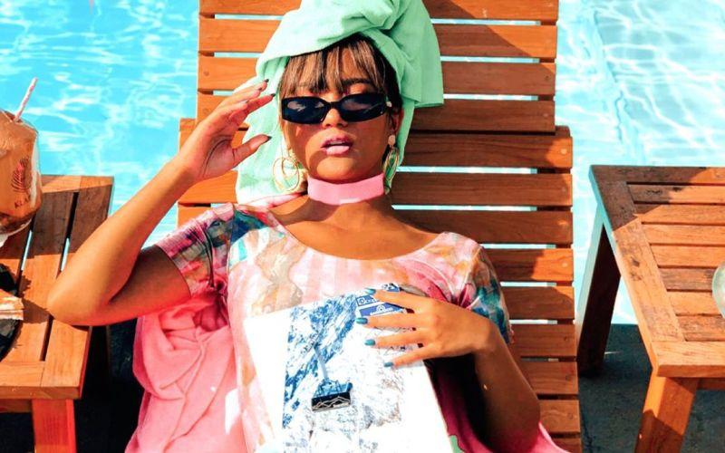 https: img.okezone.com content 2020 01 07 194 2150381 pesona-marion-jola-pakai-outfit-colourful-ceria-abis-xSugOiw7i5.jpg