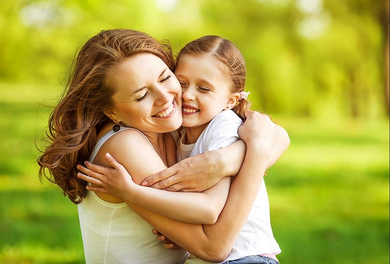 https: img.okezone.com content 2020 01 08 196 2150802 9-tren-pengasuhan-anak-yang-cocok-untuk-orangtua-milenial-di-2020-uSV3B50yR5.jpg