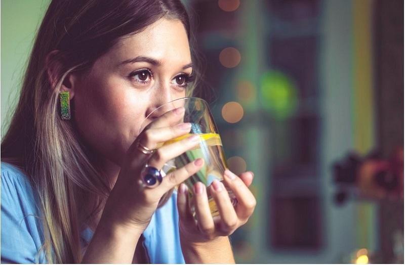 8 Khasiat Air Lemon Hangat Jika Diminum Setiap Hari Ini Resepnya Okezone Lifestyle