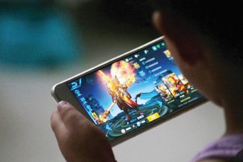 https: img.okezone.com content 2020 01 08 481 2150688 kepribadian-anak-bisa-terganggu-akibat-kecanduan-game-online-uXOgN08yD7.jpg