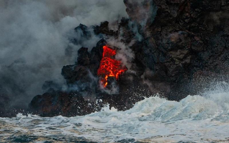 https: img.okezone.com content 2020 01 08 614 2150533 sains-dalam-alquran-makna-lautan-yang-terpanaskan-U5owhEW5oc.jpg