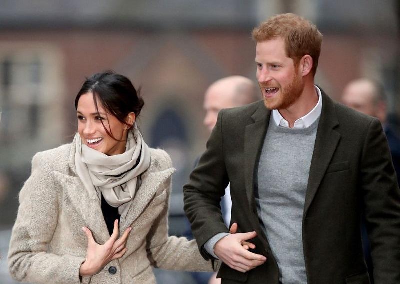 https: img.okezone.com content 2020 01 09 196 2151094 keluar-dari-kerajaan-inggris-meghan-markle-dan-pangeran-harry-tidak-minta-izin-ke-ratu-elizabeth-ii-KqCJMB4Yff.jpg