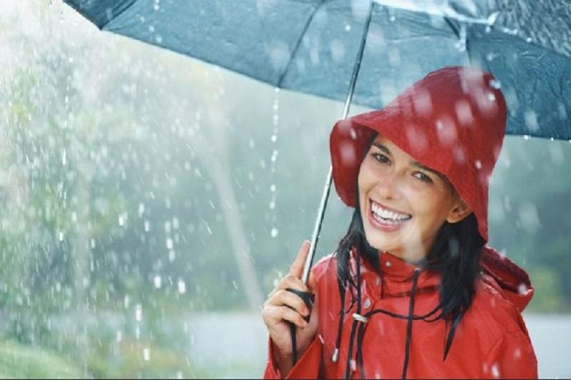 https: img.okezone.com content 2020 01 10 481 2151631 8-cara-tangkal-penyakit-infeksi-selama-musim-hujan-YYvmgVASqi.jpg