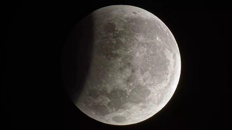https: img.okezone.com content 2020 01 10 56 2151601 ini-proses-terjadinya-gerhana-bulan-penumbra-I1bk52iMfJ.jpg