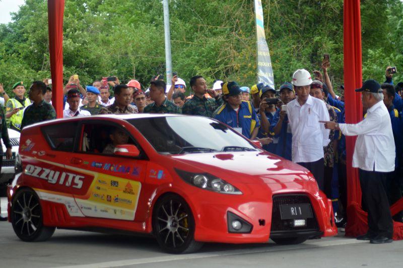 https: img.okezone.com content 2020 01 10 65 2151506 indonesia-potensial-kembangkan-kendaraan-listrik-modalnya-bahan-baku-primer-mveSeDJ3bG.jpg