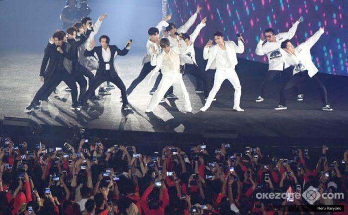 https: img.okezone.com content 2020 01 11 205 2151710 ada-kejutan-dari-eunhyuk-shindong-pada-konser-super-junior-sore-ini-Skk5qZdy3j.jpg