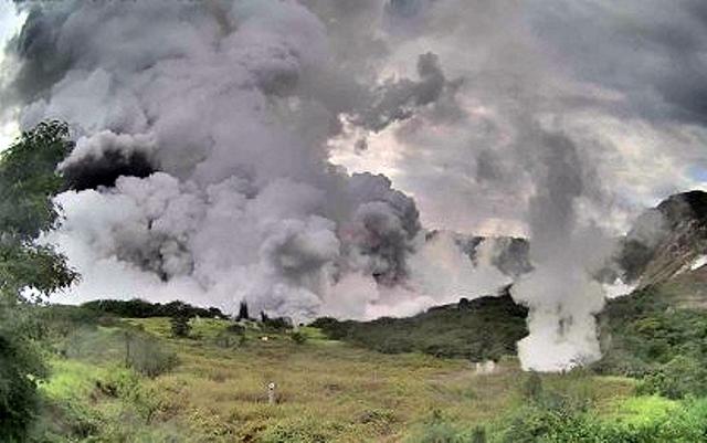 https: img.okezone.com content 2020 01 13 337 2152311 bnpb-pastikan-abu-vulkanis-erupsi-gunung-taal-tak-berdampak-ke-indonesia-yBDGTkUe52.jpg