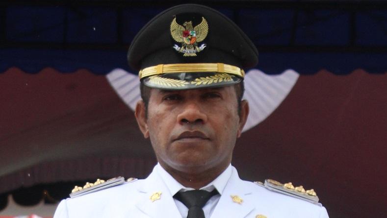 https: img.okezone.com content 2020 01 13 337 2152324 bupati-boven-digoel-papua-ditemukan-meninggal-di-hotel-mercure-kemayoran-PNawXtNlEF.jpg