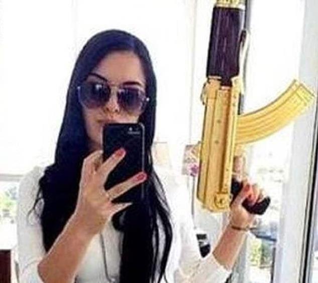 https: img.okezone.com content 2020 01 14 18 2152713 la-catrina-wanita-cantik-pimpinan-kartel-meksiko-tewas-ditembak-polisi-CIphqCTjxr.jpg