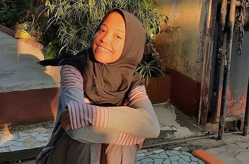 https: img.okezone.com content 2020 01 14 338 2152751 cerita-putri-kembar-bertemu-di-medsos-setelah-terpisah-16-tahun-62HP2yzckF.jpg