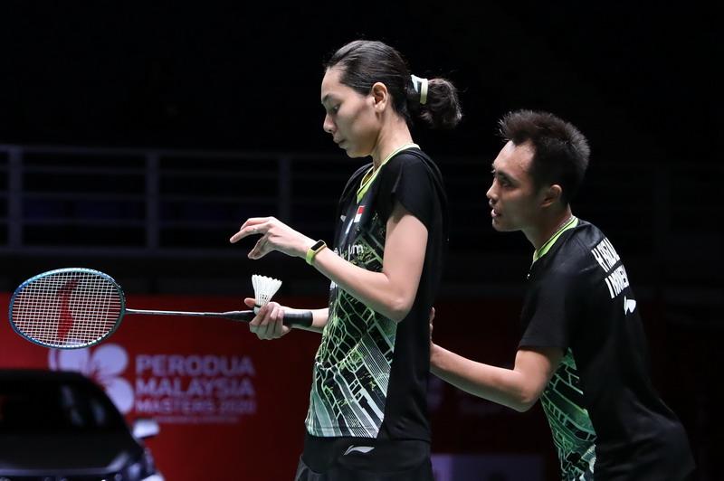 https: img.okezone.com content 2020 01 14 40 2152623 jumpa-di-indonesia-masters-2020-ini-rekor-pertemuan-hafiz-gloria-vs-zheng-huang-NSvs2Y0acE.jpg