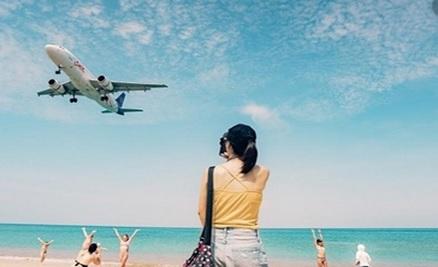 https: img.okezone.com content 2020 01 14 406 2152640 liburan-ke-luar-negeri-tetap-eksis-bareng-smartfren-C3OYzPBK69.jpg