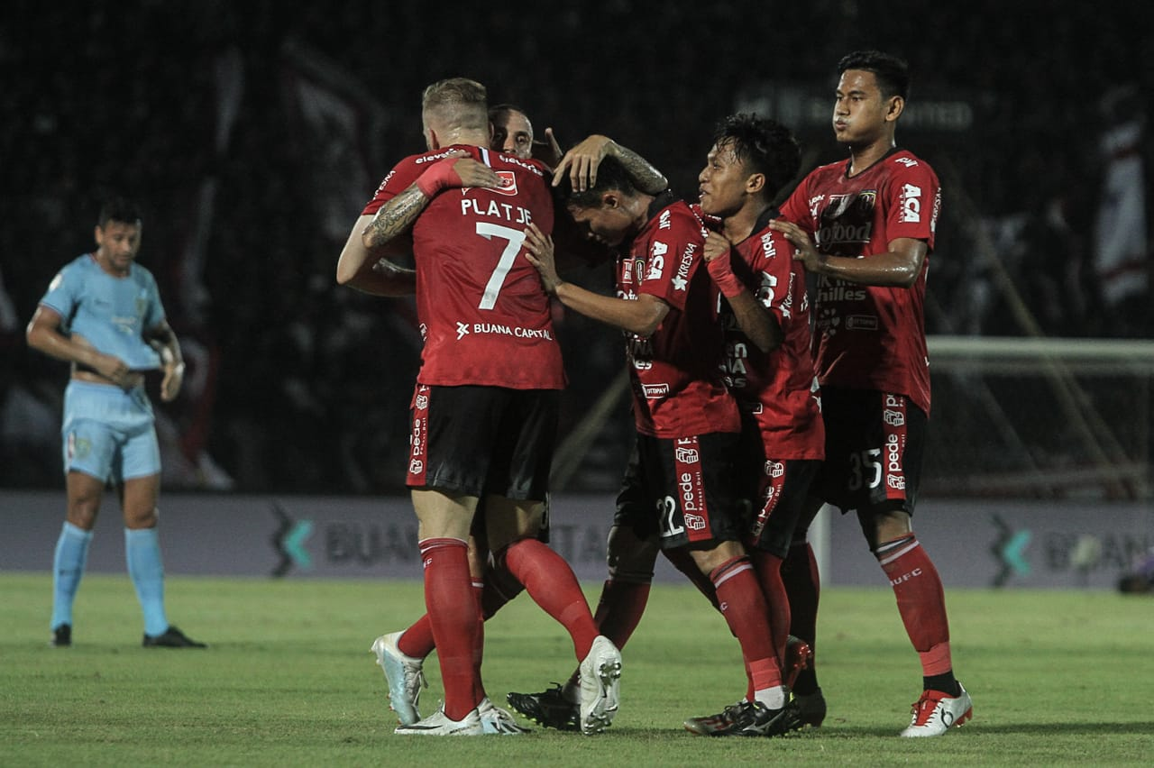 https: img.okezone.com content 2020 01 14 51 2152915 bali-united-singkirkan-tampines-rovers-dari-liga-champions-asia-2020-2UCgxd3Y24.jpg