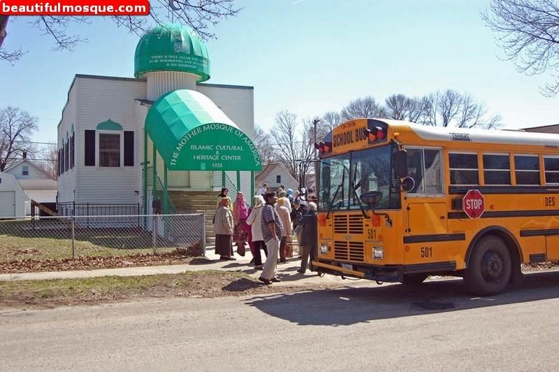 https: img.okezone.com content 2020 01 14 614 2152644 3-masjid-tua-yang-jadi-pusat-kajian-islam-di-amerika-HfLLK9Nm2B.jpg