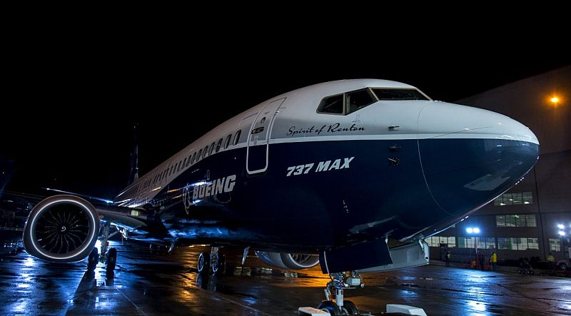 https: img.okezone.com content 2020 01 15 320 2153206 boeing-kehilangan-gelar-sebagai-produsen-pesawat-terbesar-di-dunia-Wqz2fNXU5x.jpg