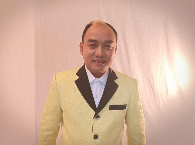 https: img.okezone.com content 2020 01 15 33 2153390 azis-gagap-komentari-rencana-pernikahan-sule-jF7PppWLto.jpg