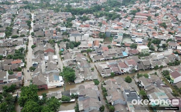 https: img.okezone.com content 2020 01 15 338 2153001 4-rekomendasi-ke-pemerintah-atasi-banjir-di-bekasi-dan-bogor-UIETo0yDHk.jpg