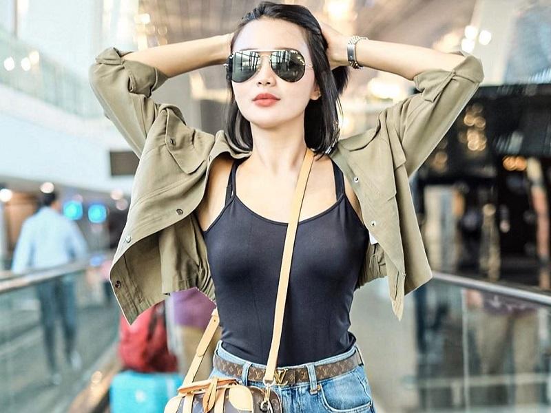 https: img.okezone.com content 2020 01 16 194 2153717 potret-airport-style-wika-salim-pedangdut-cantik-penuh-pesona-YcAmhxpCsH.jpg