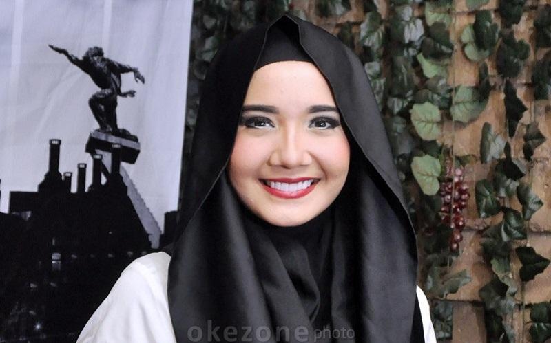 https: img.okezone.com content 2020 01 16 33 2153893 zaskia-sungkar-hamil-netizen-semringah-DbjH15Xfl8.jpg