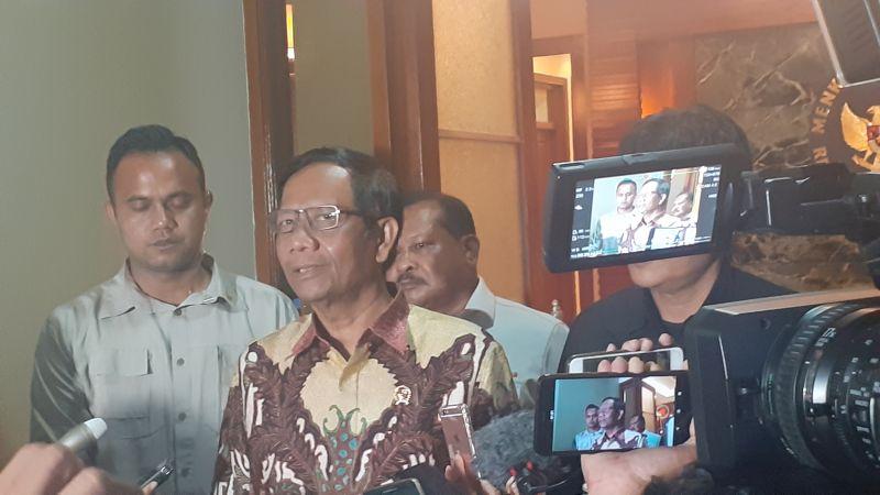 https: img.okezone.com content 2020 01 16 337 2154010 bertemu-dubes-china-mahfud-tegaskan-kedaulatan-indonesia-di-natuna-Zm5P2c8anY.jpg