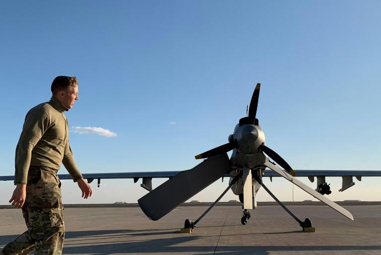 https: img.okezone.com content 2020 01 17 18 2154115 militer-as-kehilangan-tujuh-drone-selama-serangan-rudal-iran-di-pangkalan-irak-fEBgVtW2eK.jpg