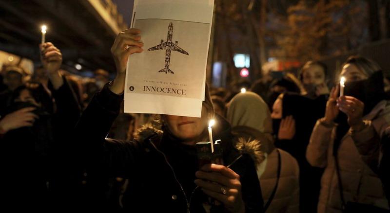 https: img.okezone.com content 2020 01 17 18 2154201 lima-negara-tuntut-iran-beri-kompensasi-pada-para-korban-pesawat-ukraina-tOqPp1n08d.jpg