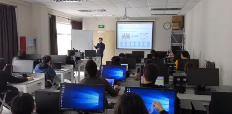 https: img.okezone.com content 2020 01 17 207 2154119 alibaba-cloud-tawarkan-pelatihan-teknologi-informasi-tingkat-lanjut-bagi-developer-5HYO9SNzSq.jpg