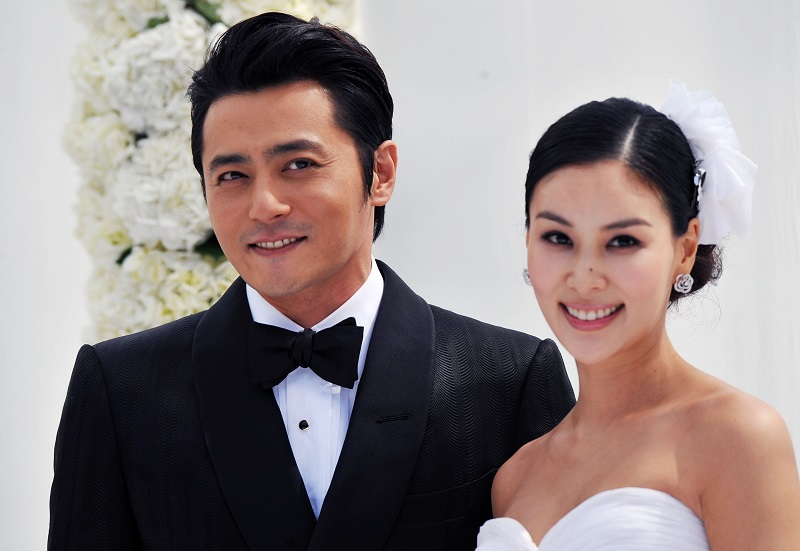 https: img.okezone.com content 2020 01 17 33 2154419 gara-gara-chat-mesum-pernikahan-jang-dong-gun-diisukan-retak-KIkCm1Q1xa.jpg