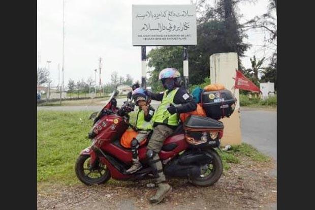 https: img.okezone.com content 2020 01 17 52 2154490 touring-ke-makkah-gunakan-sepeda-motor-pria-ini-akui-tak-ganti-ban-0JEt65wnGF.jpg