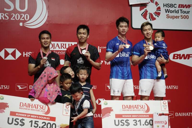 https: img.okezone.com content 2020 01 19 40 2155096 marcus-kevin-menangi-duel-kontra-ahsan-hendra-di-final-indonesia-masters-2020-1A7TByvZOf.jpeg