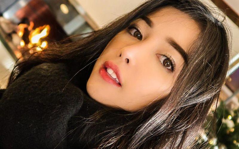 https: img.okezone.com content 2020 01 21 611 2156257 pramugari-siwi-sidi-bongkar-rahasia-cantik-dengan-makeup-natural-mwUvQolqwS.jpg